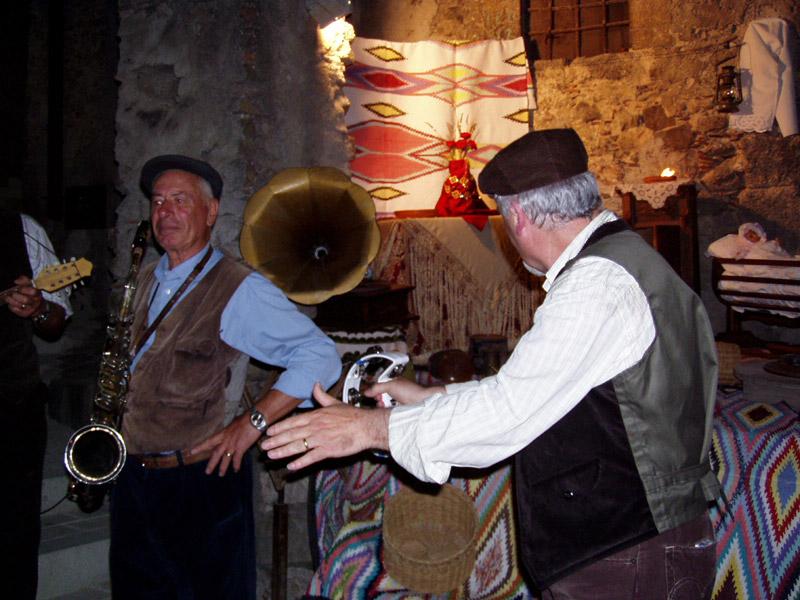 http://www.girasicilia.it/wp-content/uploads/2011/06/muzzuni-giugno.jpg