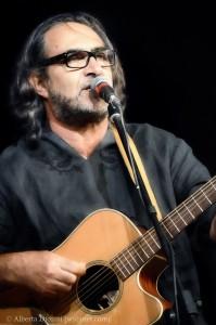 14 - Alfio Antico ce Lautari oncerto Gravina di Catania 5 agosto 2012
