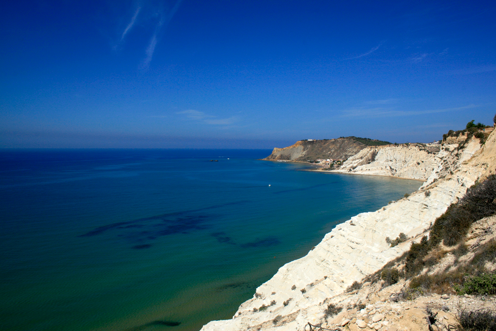 La scala dei turchi un accecante scogliera sul mare di for Scala dei metri quadrati