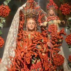 Donne, Madonne, Sante e Regine vestite da Marella Ferrera