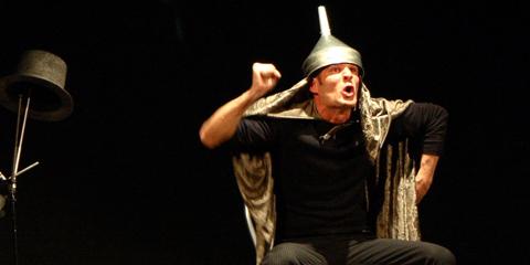 A Caltagirone l'Orlando Furioso raccontato dal Mago Atlante